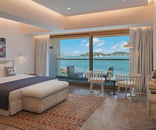 D- Resort – Ayvalık -Murat -Reis-deniz-manzarali-oda