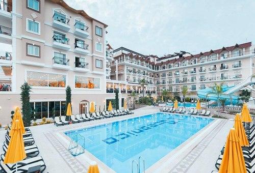 Loceanica- Beach -Resort-havuz-otel