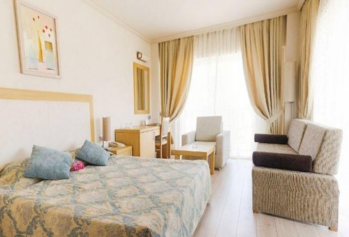 Loceanica-Beach-Resort-oda