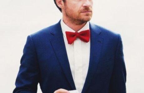結婚式のスーツ!OKな色は?ネイビーはOK!