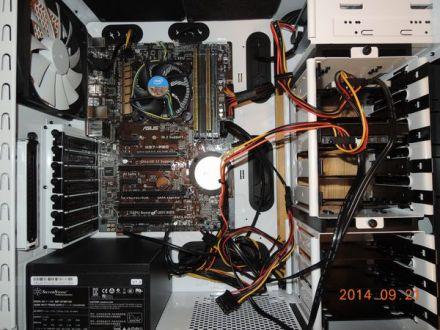 自作パソコンの内部