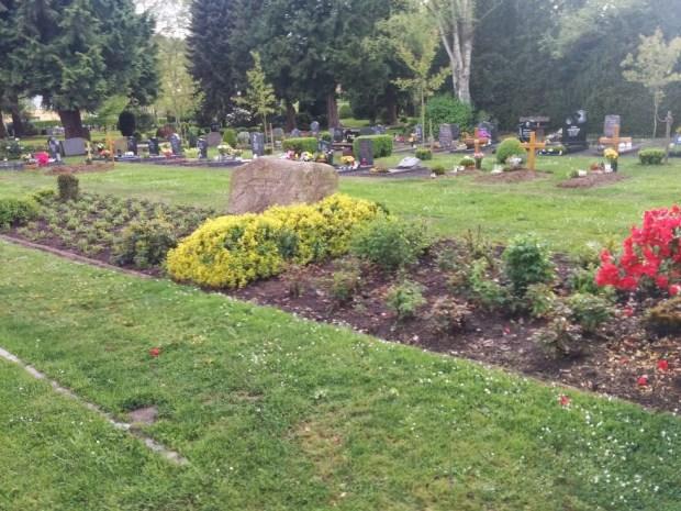 Memorial grave site in Lerbeck Cemetery