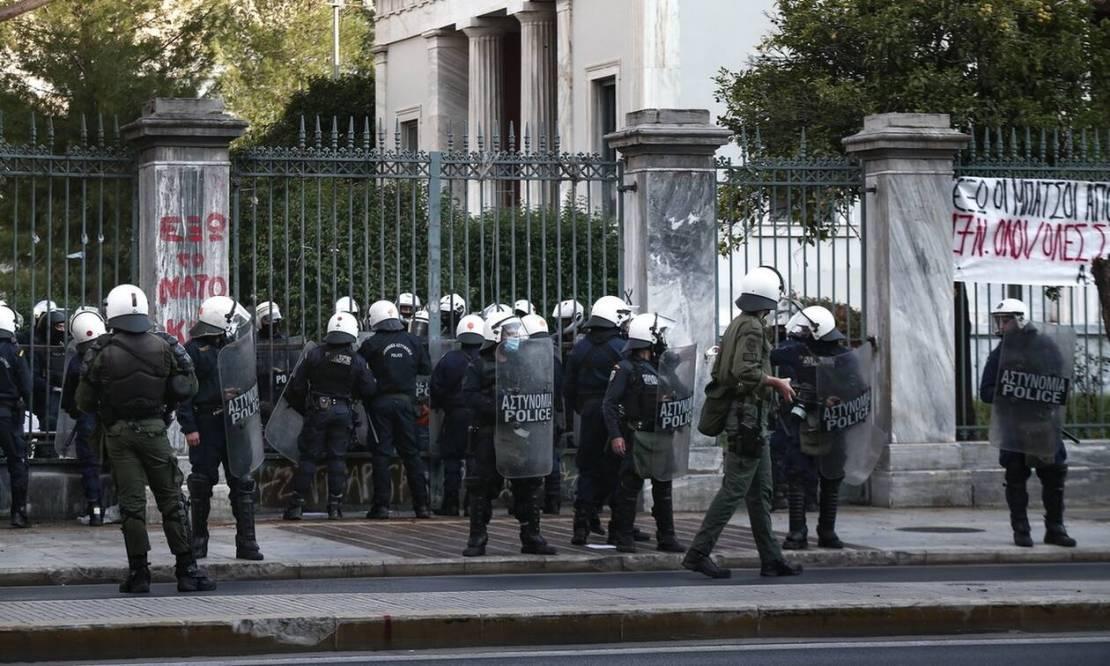 Πολυτεχνείο 2020: Με δρακόντεια μέτρα ασφαλείας η 47η επέτειος από την  εξέγερση - Newsbomb - Ειδησεις - News