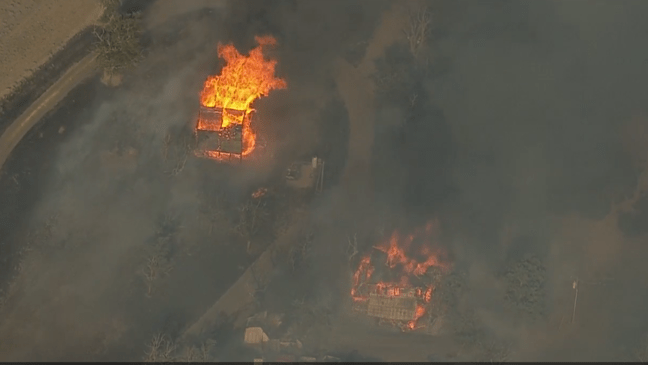 Clackamas county communities of molalla and colton were under level 3, or go now, evacuation orders. Wildfire Se Of The Dalles Destroys 1 Home Outbuildings Grows To 20 000 Acres Kmtr