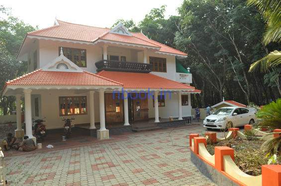 Semi furnished house for sale at kaduthuruthy 5 bhk for 5 bhk house