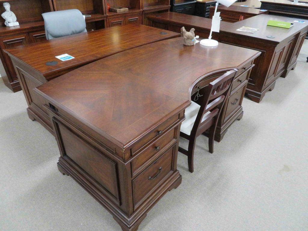 IMG0865 Heavner Furniture Market