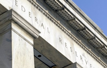 Federal Reserve pushes to protect big banks