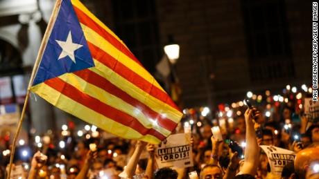 Spanish Prime Minister removes Catalan leadership