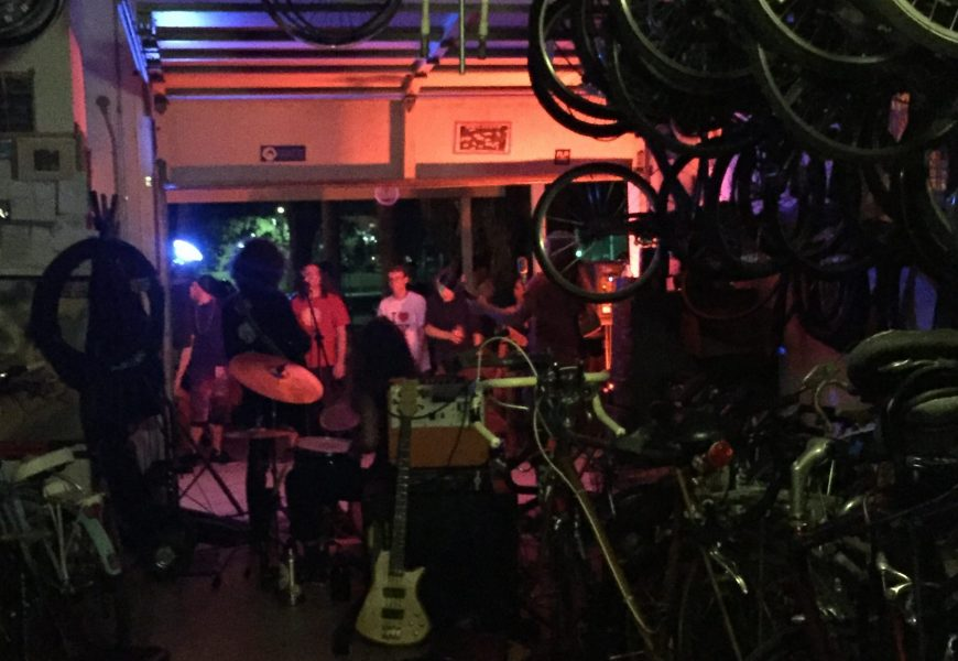 First bike shoppe show of the semester featured student musicians