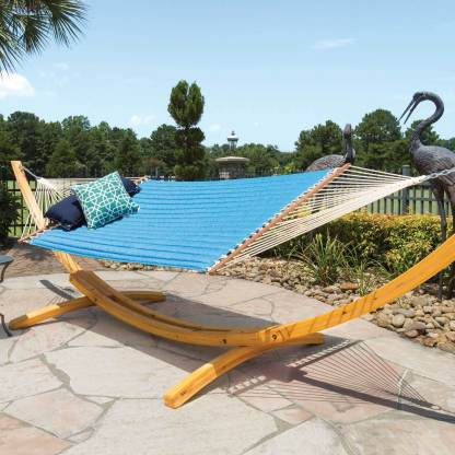sunbrella-quilted-hammock-canvas-regatta-hatteras-hammocks-lifestyle-sq-mn3-xx.jpg