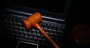 gavel-laptop