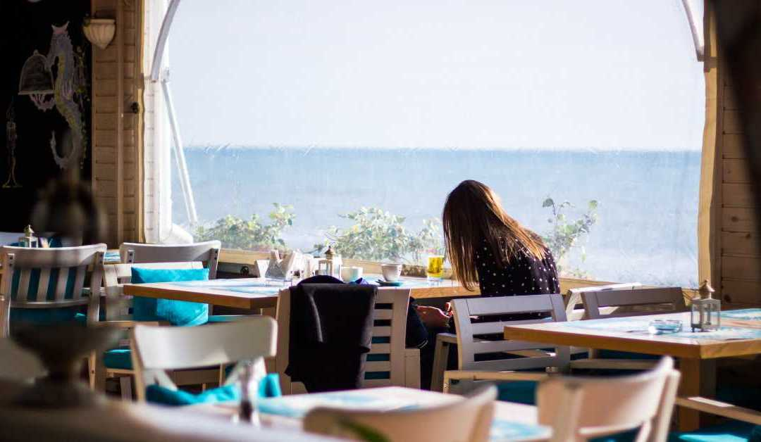 3 Strategies To Increase Restaurant Sales During Off-Peak Hours