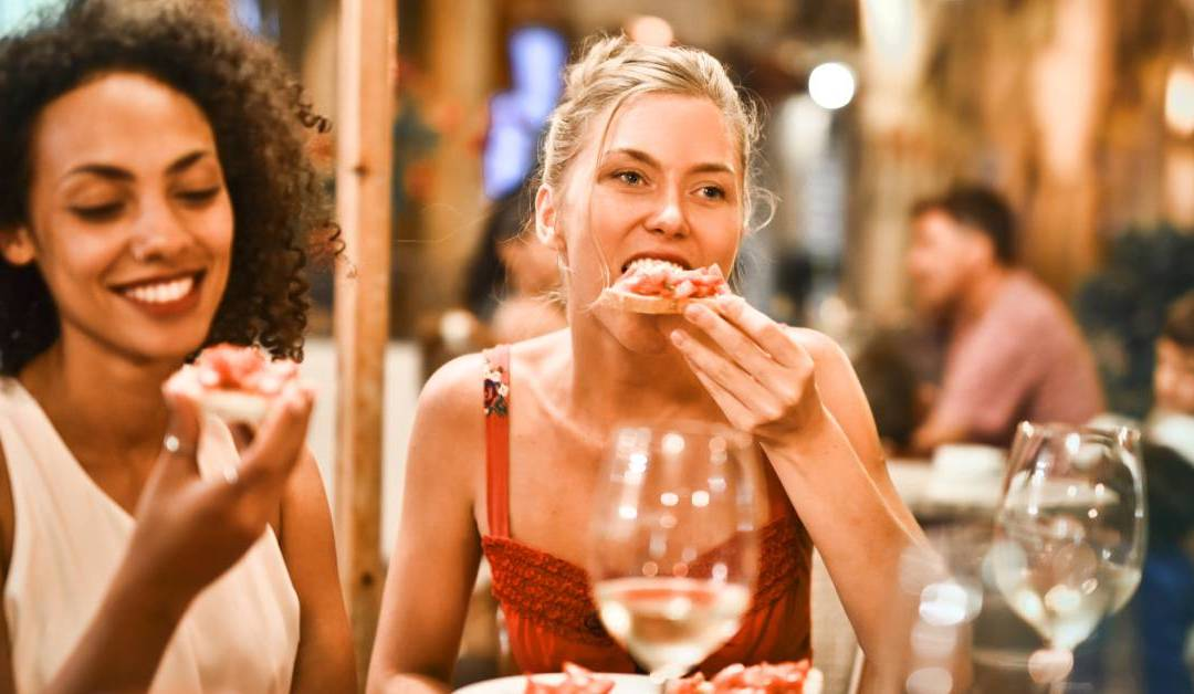 6 Creative Ways To Attract Restaurant Guests