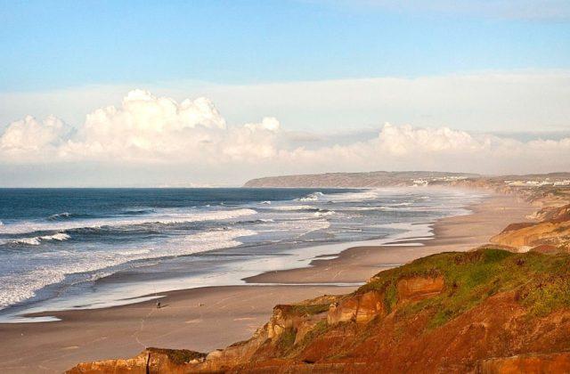 Os turistas estão a invadir Portugal e os ingleses explicam porquê