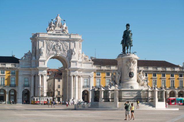 Lisboa não é a capital de Portugal e 9 factos que não aprendeu nas aulas de História