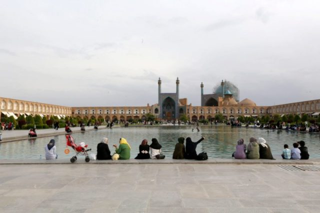 Praça Naqsh-e Jahan em Ishfahan, Irão