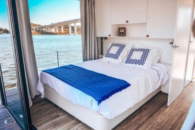 Oporto Douro Floating House - Sabia que pode dormir numa casa flutuante no Douro?