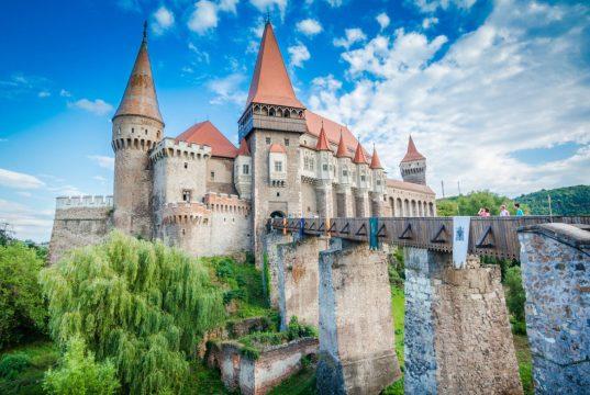 Os 15 castelos mais bonitos da Europa (o 1º é português)