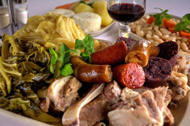 Como fazer o famoso Cozido à Portuguesa