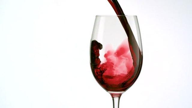 beber vinho tinto todas as noites