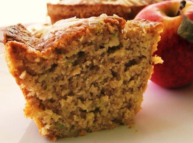 bolo de maçã e aveia