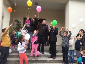 Lâcher de ballons pour la paix en Orient et en France