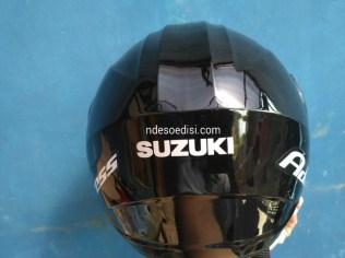 helm Suzuki Address