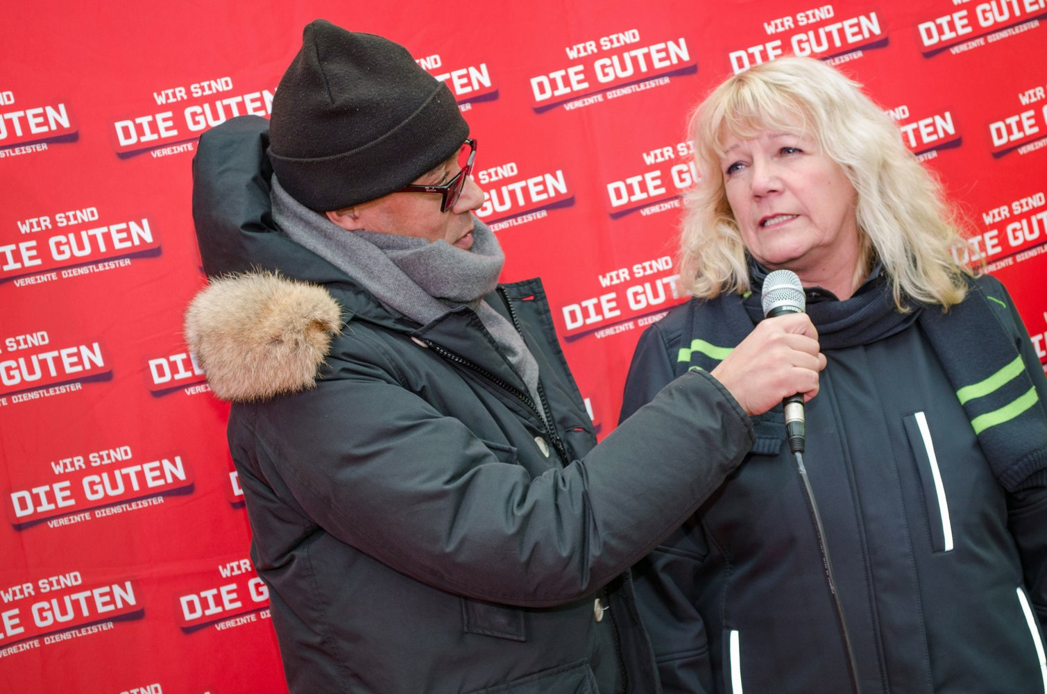 Roter Teppich Interview Ver Di Rote Teppich Aktion In Hannover