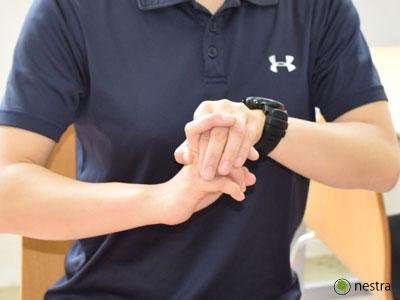 手の腱鞘炎-MP伸展ストレッチ