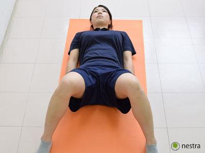出産後腰痛-骨盤締め込み体操2