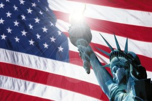 Statue of Libery w/American Flag
