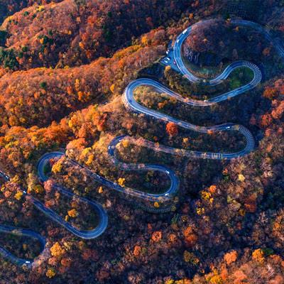 Beautiful autumn colors in Nikko (Irohazaka, Japan)