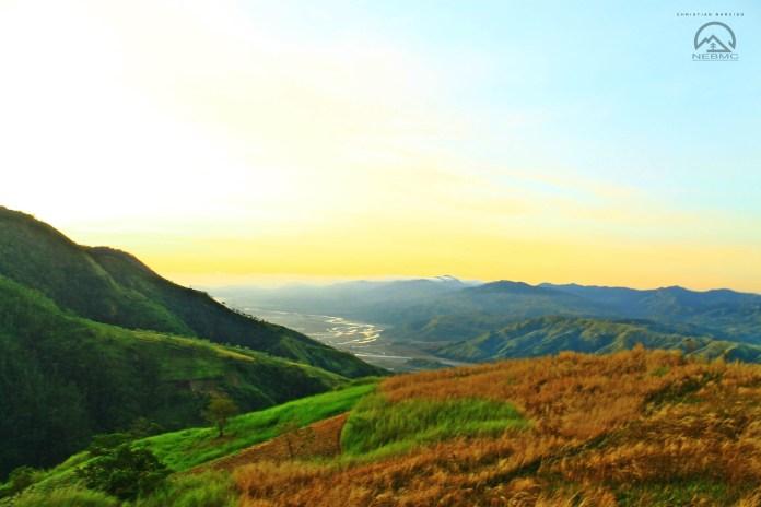 Cordillera mountains view at Gordon Hill