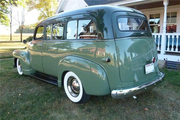Lot 809 - 1949 Chevrolet Suburban Custom