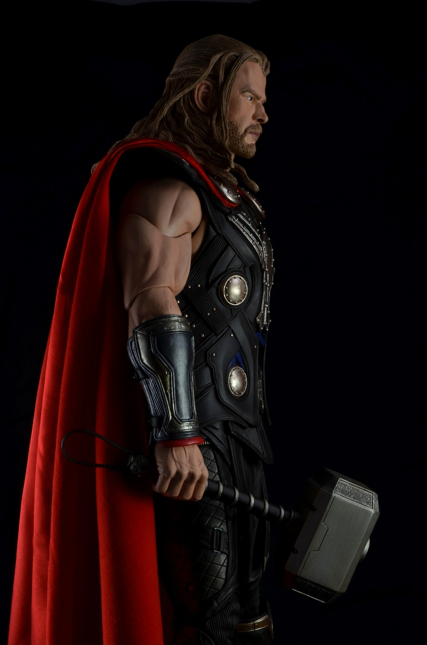 Lifelike 3d Wallpaper Discontinued The Avengers 1 4 Scale Action Figure