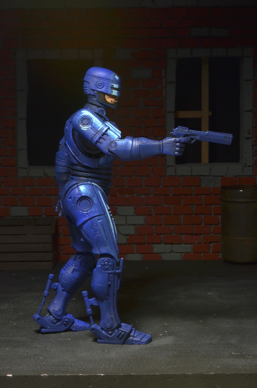 FIRST LOOK Classic Video Game Appearance Robocop Revealed