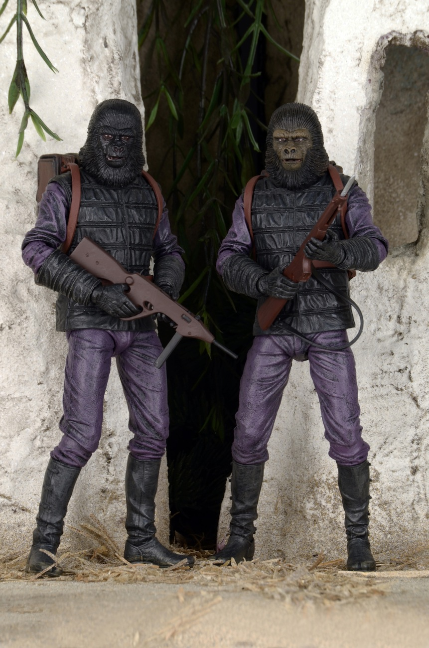 Toys R Us Exclusive Planet of the Apes Gorilla Soldier 2Pack