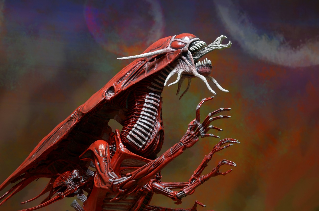 Closer Look Aliens Genocide Red Queen Mother Ultra Deluxe