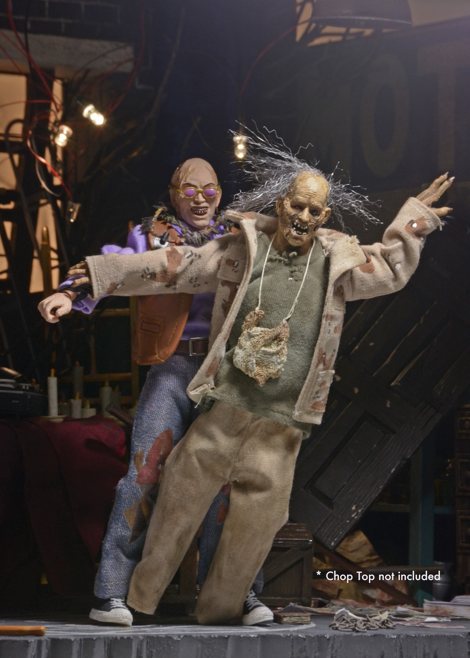 DISCONTINUED Texas Chainsaw Massacre  8 Clothed Action