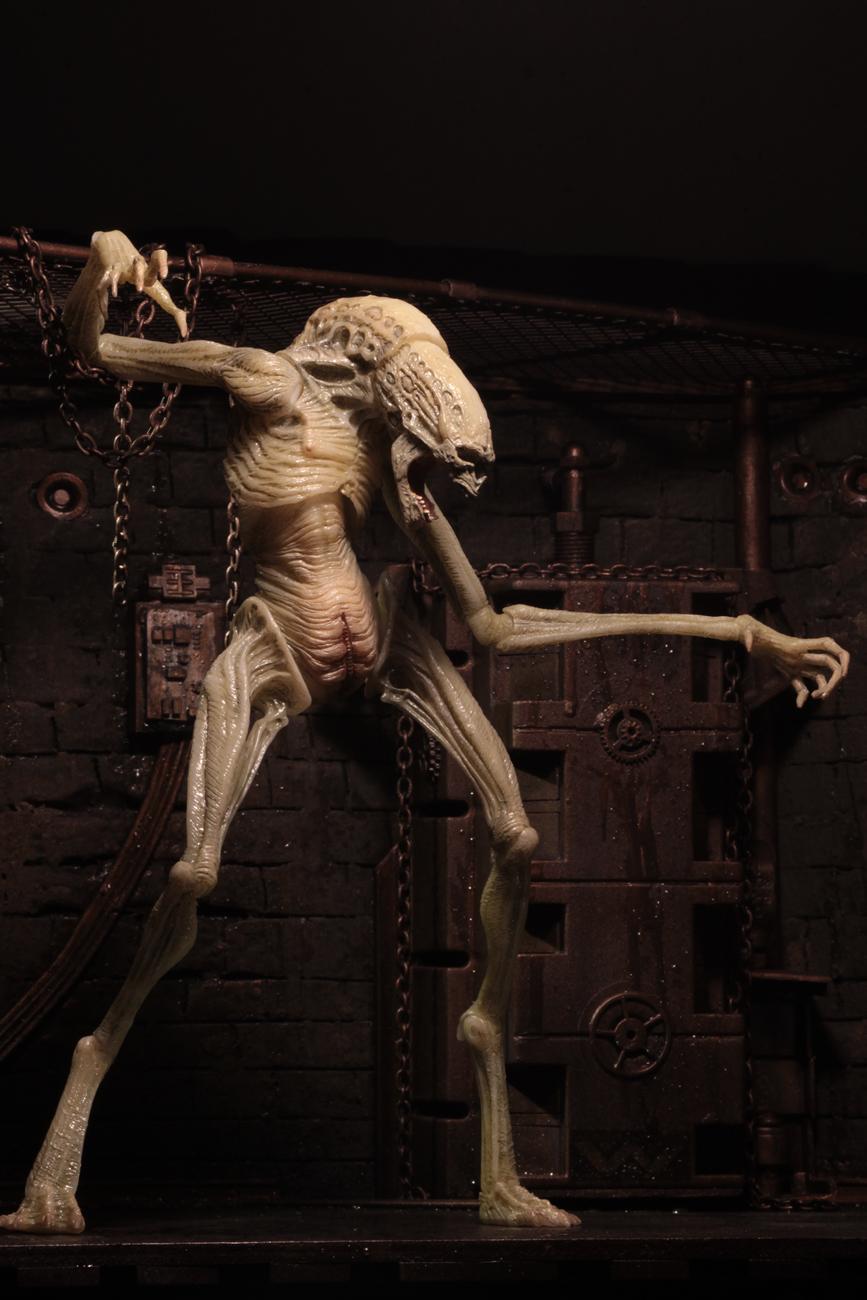 Alien Resurrection  7 Scale Action Figure  Deluxe Newborn
