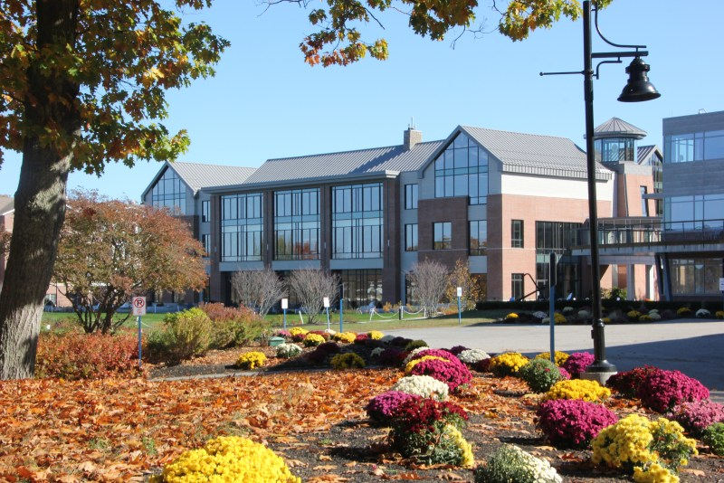 Campus center UNE