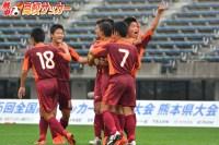 【高校サッカー選手権:熊本】チャンスを創出し続けるFK、主将・島津玲斗がトリックプレーから決勝弾。セットプレーを磨いて全国へ