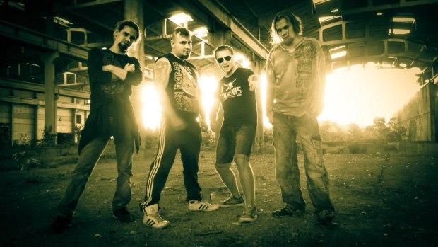 POMSTA - Sledgehammer banda