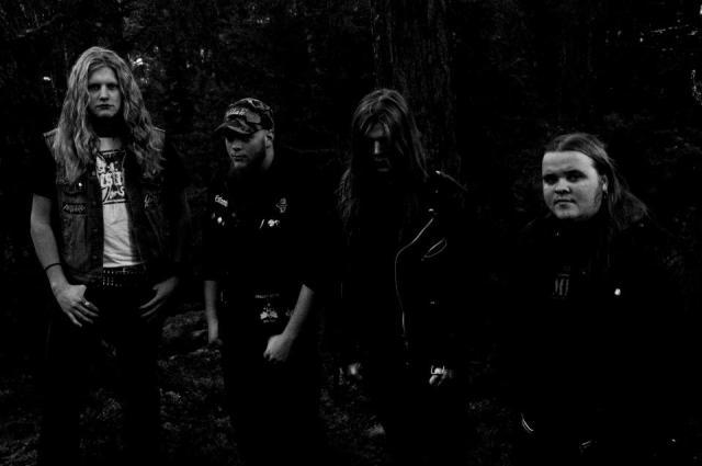 decomposed - devouring banda