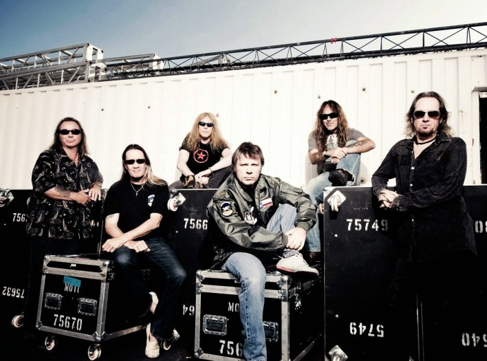 Iron maiden - book - picture