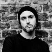 Daniel Gallar (Banda: Veil Of Deception.com)