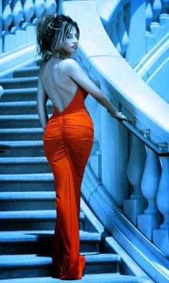 تصاویری از لیلا میلانی مانکن، طراح مد و بازیگر کانادایی ایرانی الاصل مقیم کانادا....ادامه تصاویر را در سایت ببینید