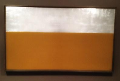 """""""Gul jord og sølvhimmel"""", 1975, Anna-Eva Bergman (1909–1987). Olje på lerret, 130 x 97 centimeter."""