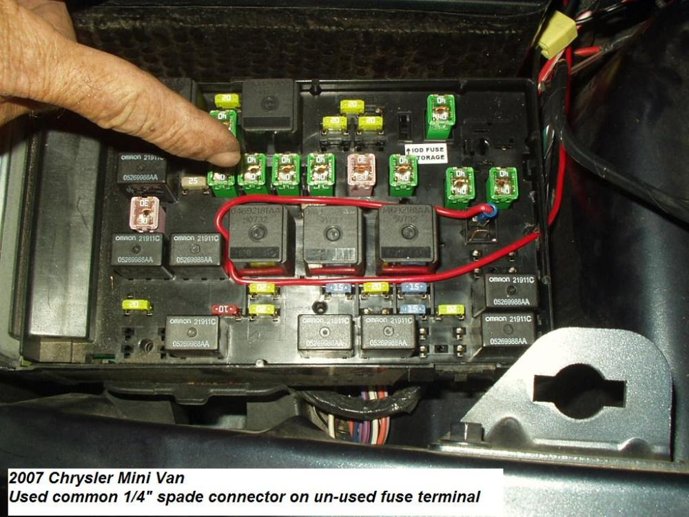 medium resolution of fuse box 2007 chrysler town and country wiring diagram details 2007 chrysler town and country fuse box location