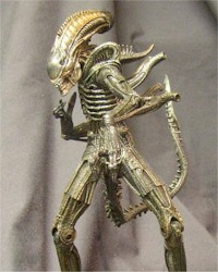 warrior-alien-toy